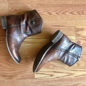 FRYE BOOTS Size 9.